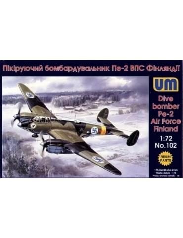 UM 102 Dive Bomber Pe-2 1/72