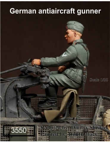 SOGA Miniatures 3550 German Antiaircraft Gunner 1/35