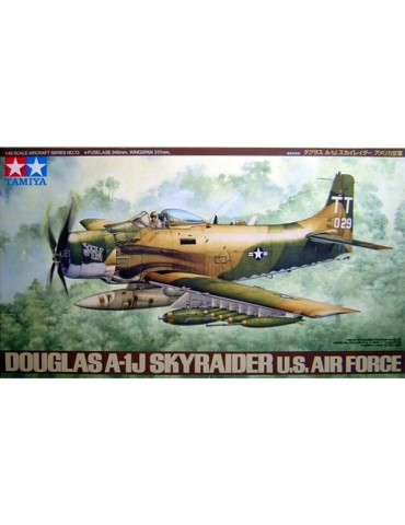 Tamiya 61073 Douglas A-1J...